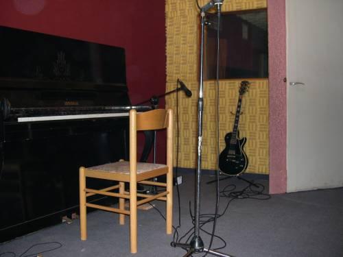 זווית אחרת על הפסנתר