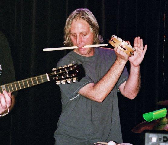 Dave Kerman introduces his new diet - eat low-carb drum sticks!